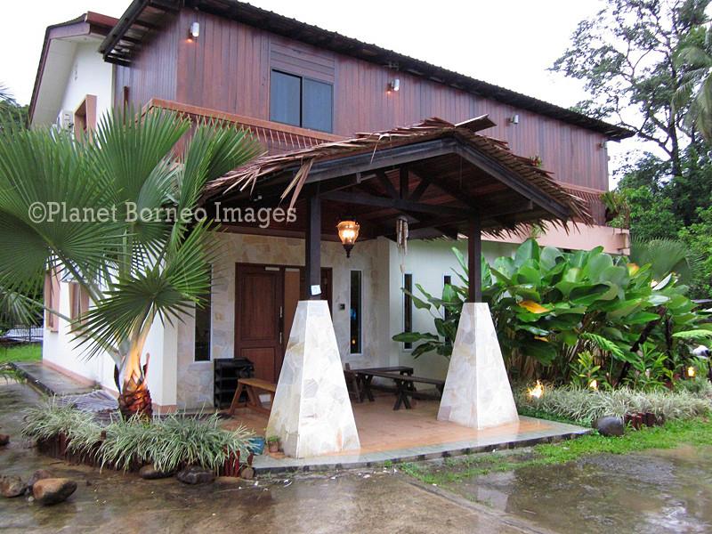 Planet Borneo Lodge in Kuching